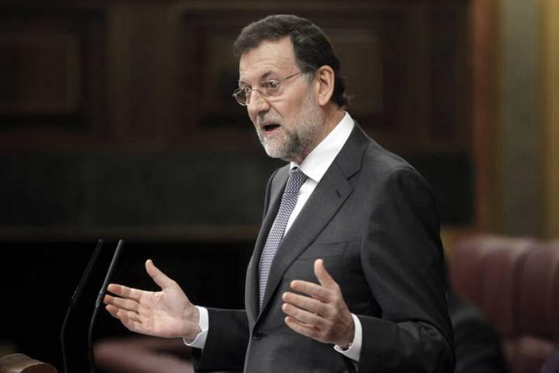 """Rajoy admite que la situación del paro es """"crítica"""" y que empeorará en 2012"""