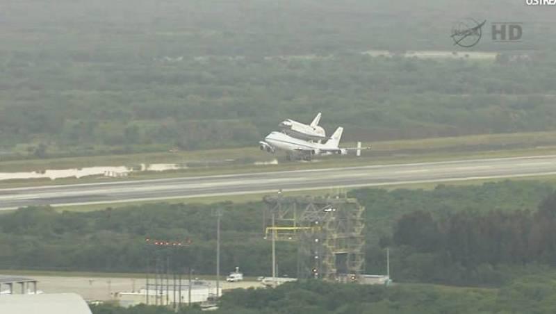El Discovery se prepara para despegar a bordo del Boeing de la NASA