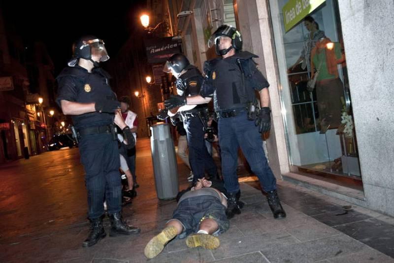 """Un total de 18 personas han sido detenidas durante el desalojo de los """"indignados"""" de Sol."""