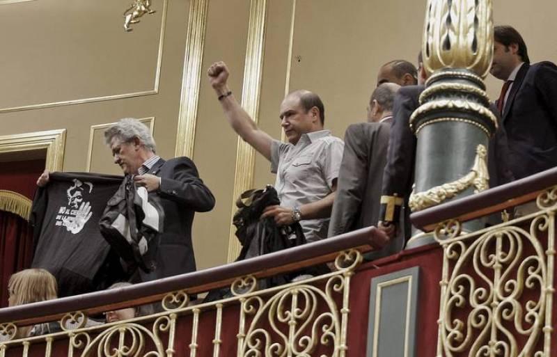 Mineros protestan en el Congreso
