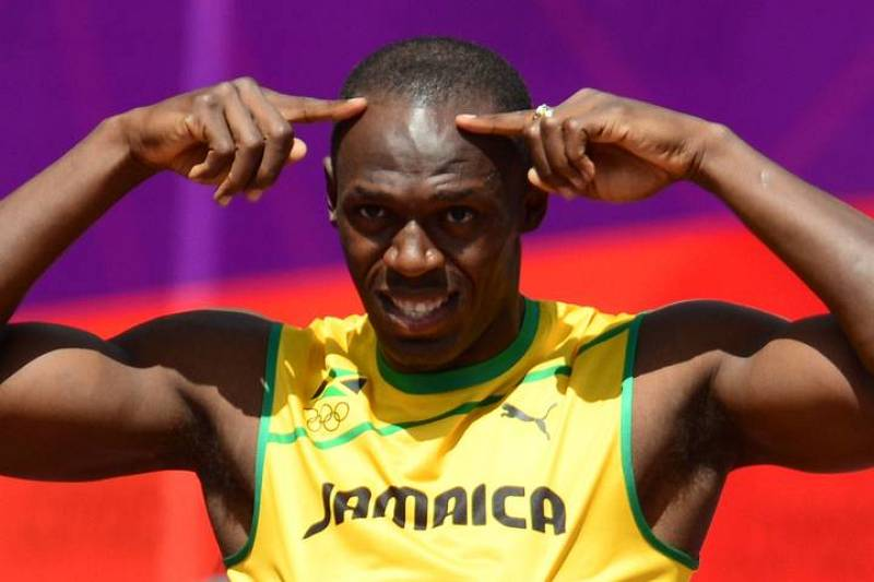 Bolt visualiza la carrera