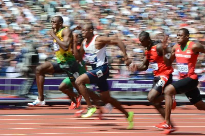 Bolt, tras una mala salida, pasa a comandar su serie