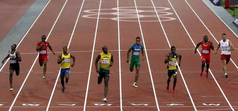 Llegada de la segunda semifinal de los 200m masculinos. De derecha a izquierda: Kamil Krynski (Polonia), Alex Wilson(Suiza), Anaso Jododwana(Sudáfrica), Aldemir Da Silva (Brasil), Usain Bolt (Jamaica), Alex Quiñones (Ecuador), Isiah Young (USA), y Aa