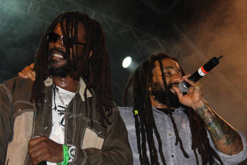 Many Marley y Andrew Tosh