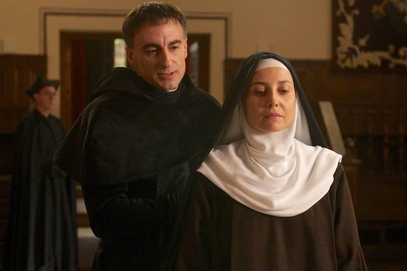 Marian Álvarez interpresenta a Santa Teresa de Jesús en esta tvmovie que pretende dar una nueva visión sobre esta figura de la que se cumplen 500 años de su nacimiento.