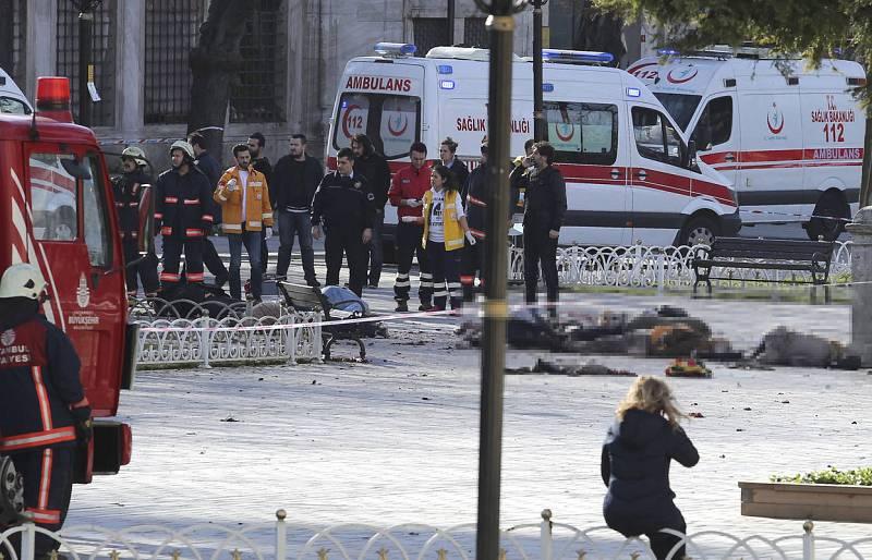 Al menos diez personas han muerto y una quincena han resultado heridas en el atentado.