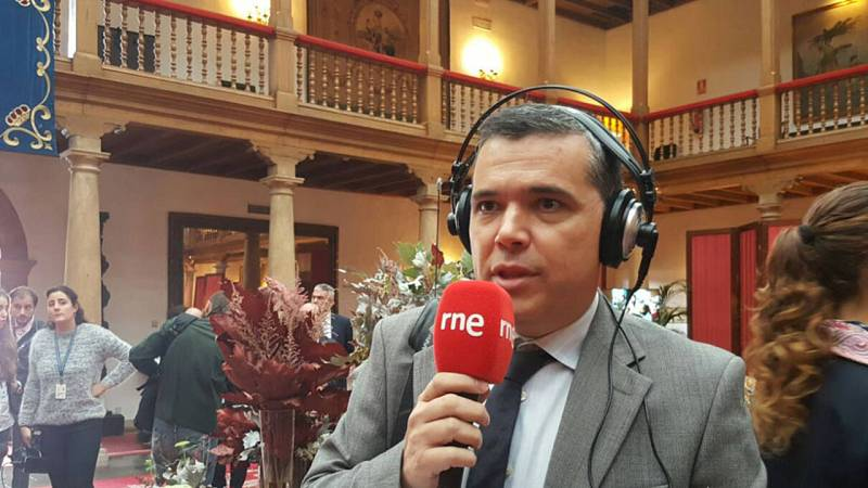 Alfredo Menéndez retransmite en directo desde el Hotel de la Reconquista de Oviedo