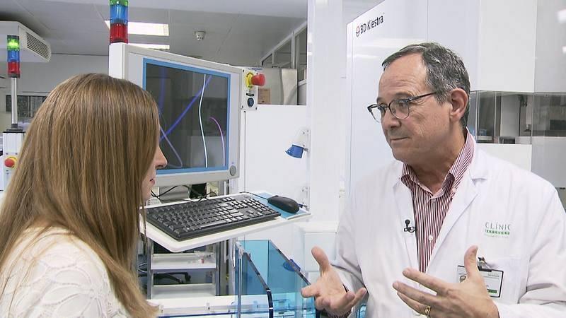 En el Hospital Clínic, el Dr. Jordi Vila y su equipo investigan para luchar contra las superbacterias