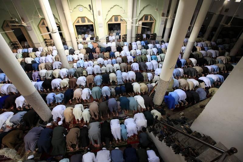 El Eid al Fitr se celebra con oraciones, lecturas del Corán y reuniones con familiares y amigos.