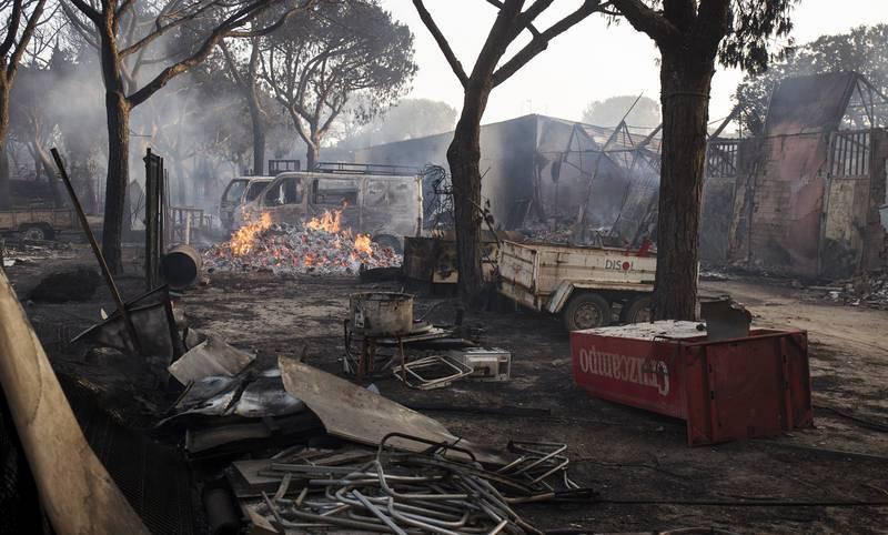 Los efectivos contra el fuego en Moguer se han duplicado