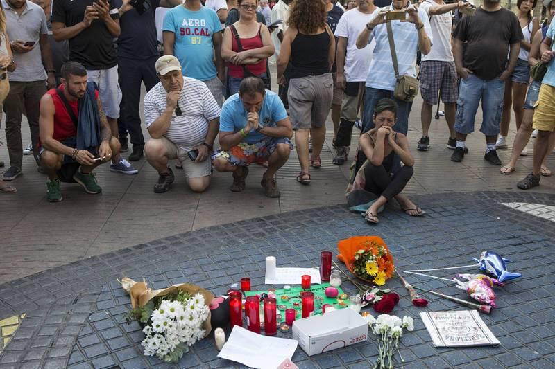 Homenaje a las víctimas en Las Ramblas