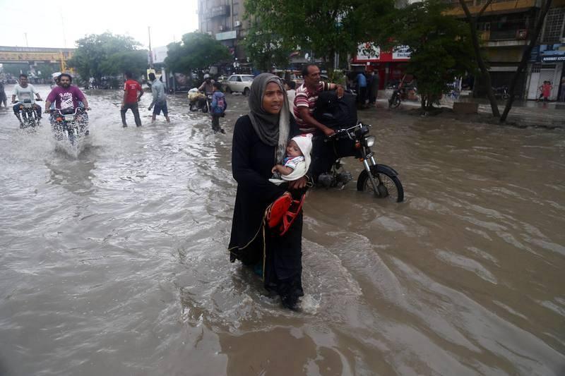Al menos 15 personas han fallecido en la ciudad del sur de Pakistán