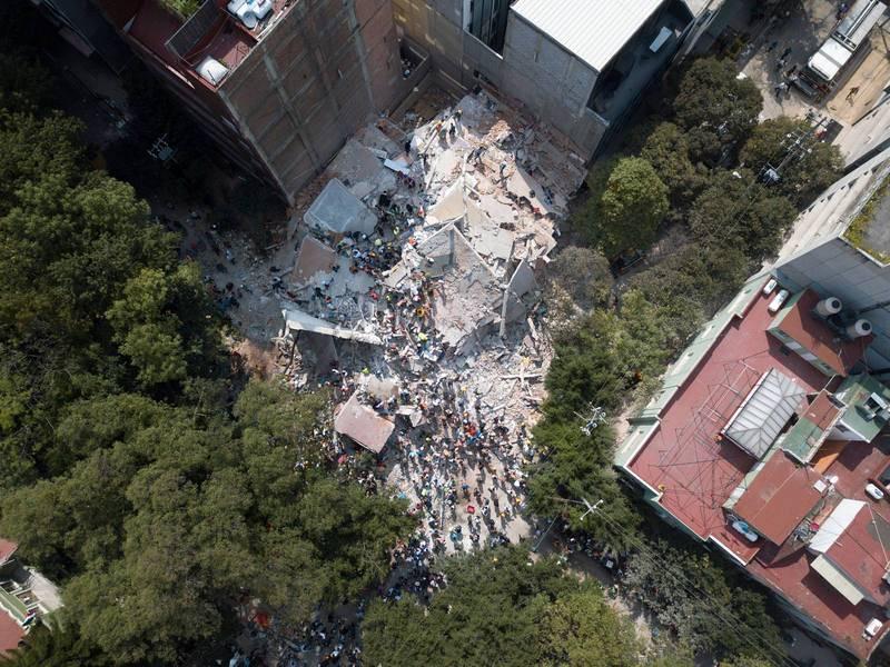 Vista aérea de un edificio derrumbado