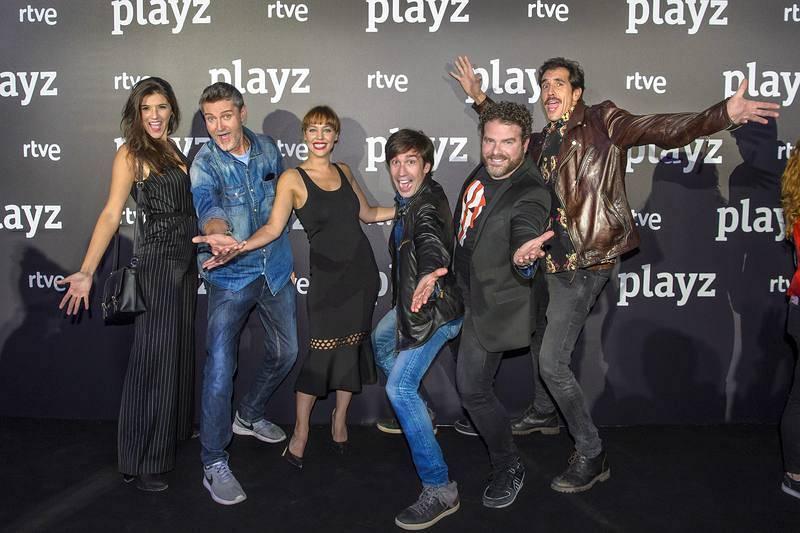 El reparto de 'Colegas' en la presentación de Playz