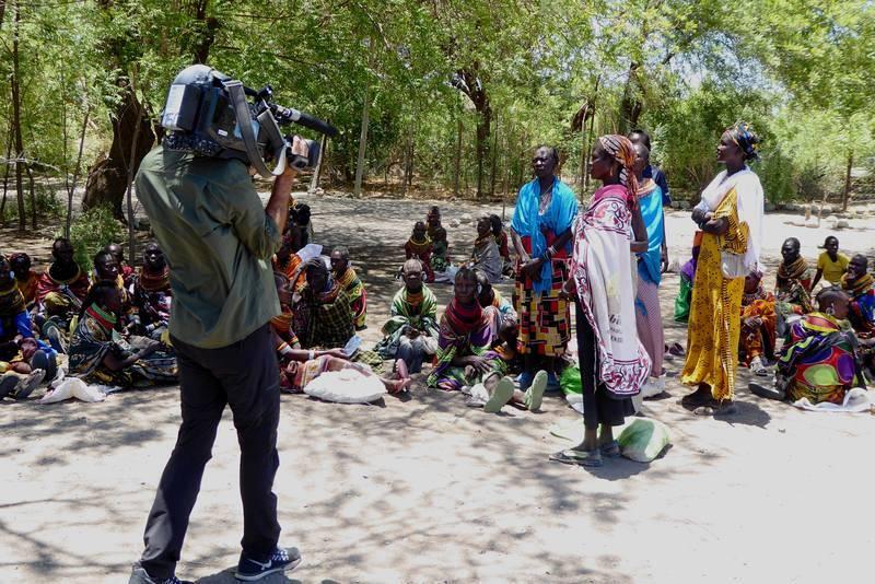 Durante el rodaje de 'Pueblo de Dios' en Loiyangalani (Kenia)