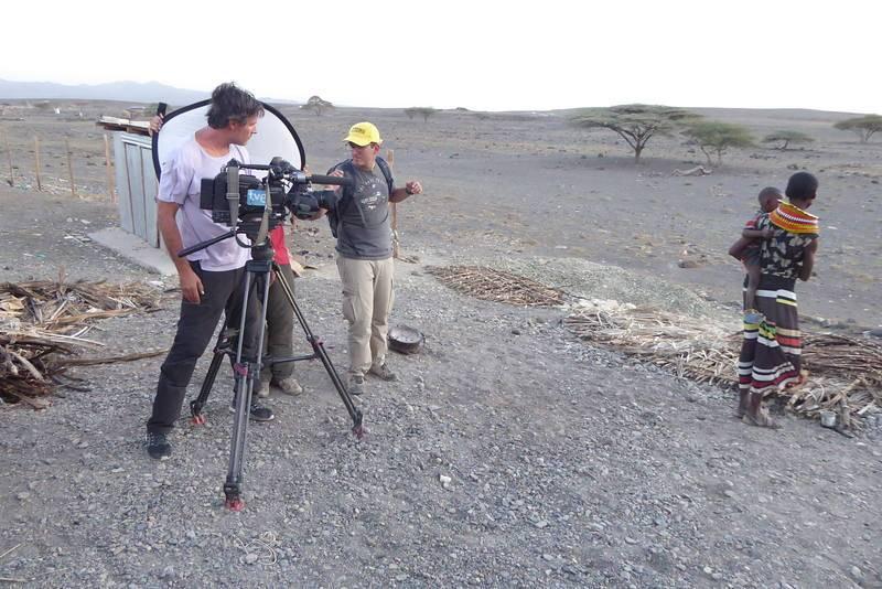 De rodaje con Alicia y su hijo en Loiyangalani