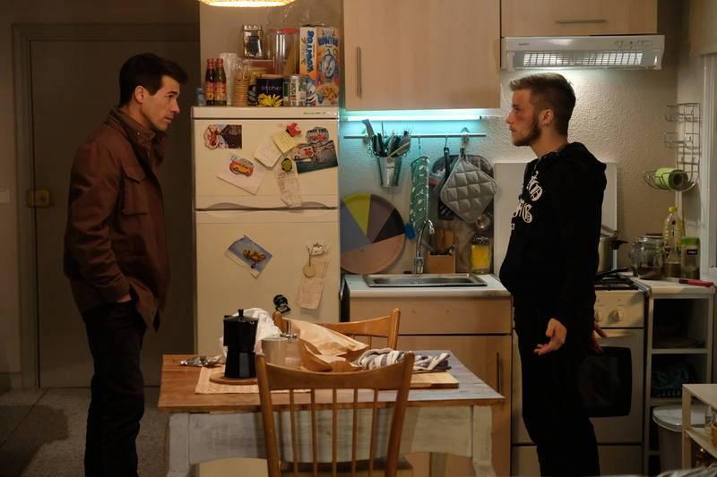 Rober se siente en deuda con su hermano por lo que hizo por él