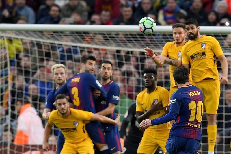 Leo Messi ha marcado su tercer gol de falta consecutivo en Liga, donde acumula cinco (siete en el total de la temporada).
