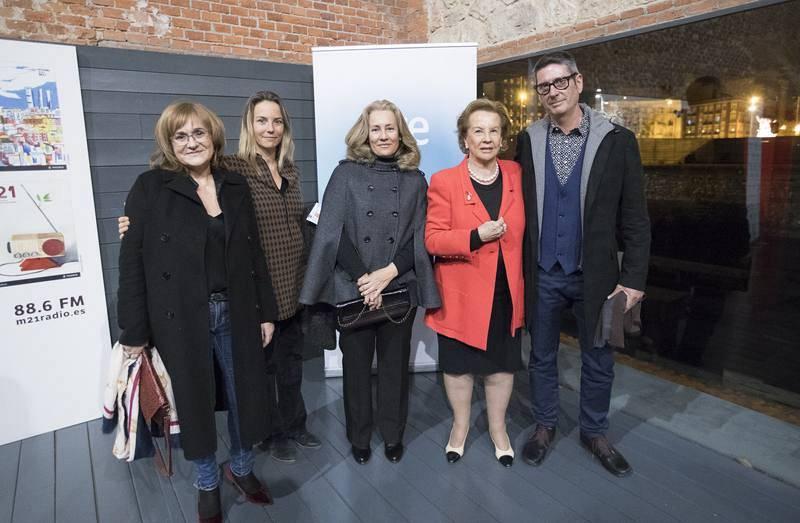 El equipo del documental, con la familia de Félix Rodríguez de la Fuente