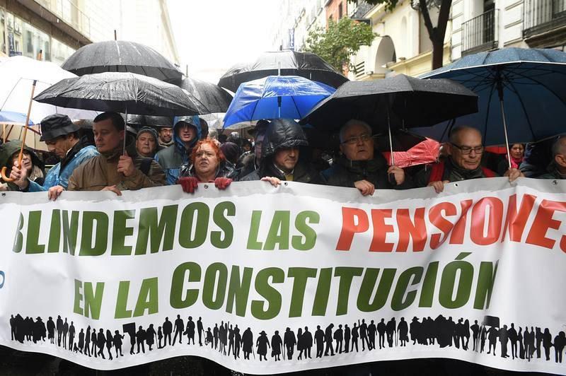 Manifestación en Madrid por unas pensiones dignas convocada por la Mesa Estatal por el Blindaje de las Pensiones (MERP)