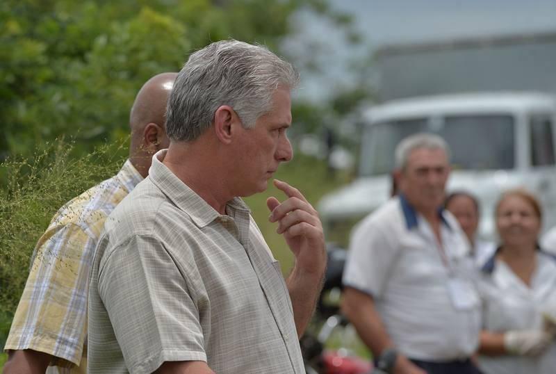 Díaz-Canel llega al escenario del accidente