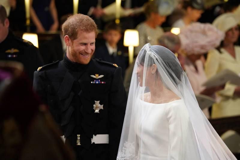 El príncipe Enrique y Meghan Markle en la Capilla de San Jorge