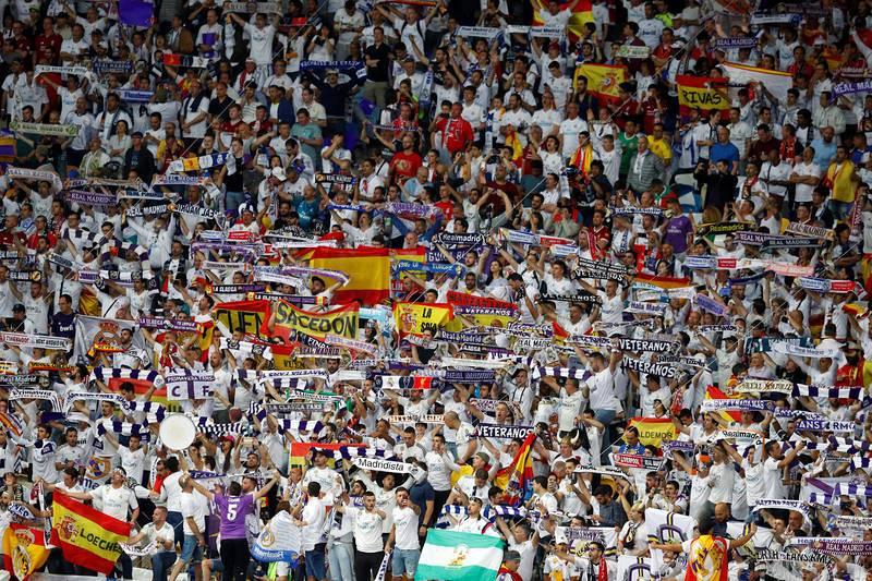 La afición del Real Madrid, en el estadio Olímpico de Kiev.