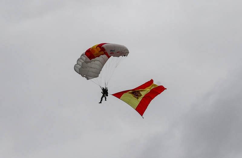 Descenso de un paracaidista