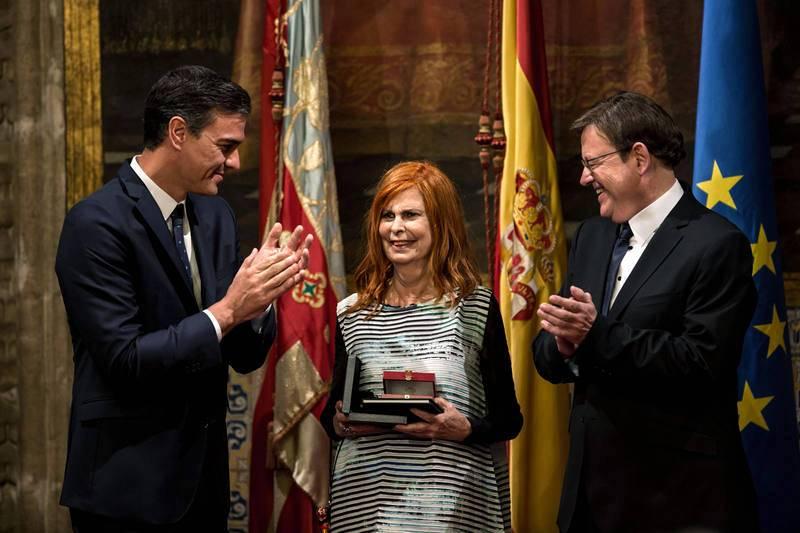 Alborch reconocida con la Alta Distinción de la Generalitat con motivo del 9 de Octubre junto al presidente del Gobierno, Pedro Sánchez y el president de la Generalitat Ximo Puig