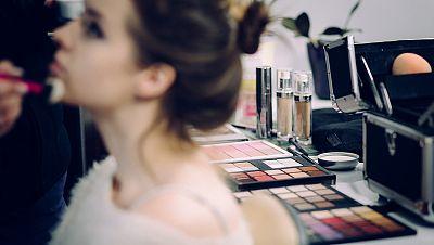 Servicio de Caracterización - maquillaje y peluqueria -en el Centro Territorial de CRTVE en Andalucia (Prórroga)
