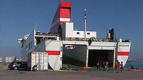 200 pasajeros atrapados en el puerto de Cádiz