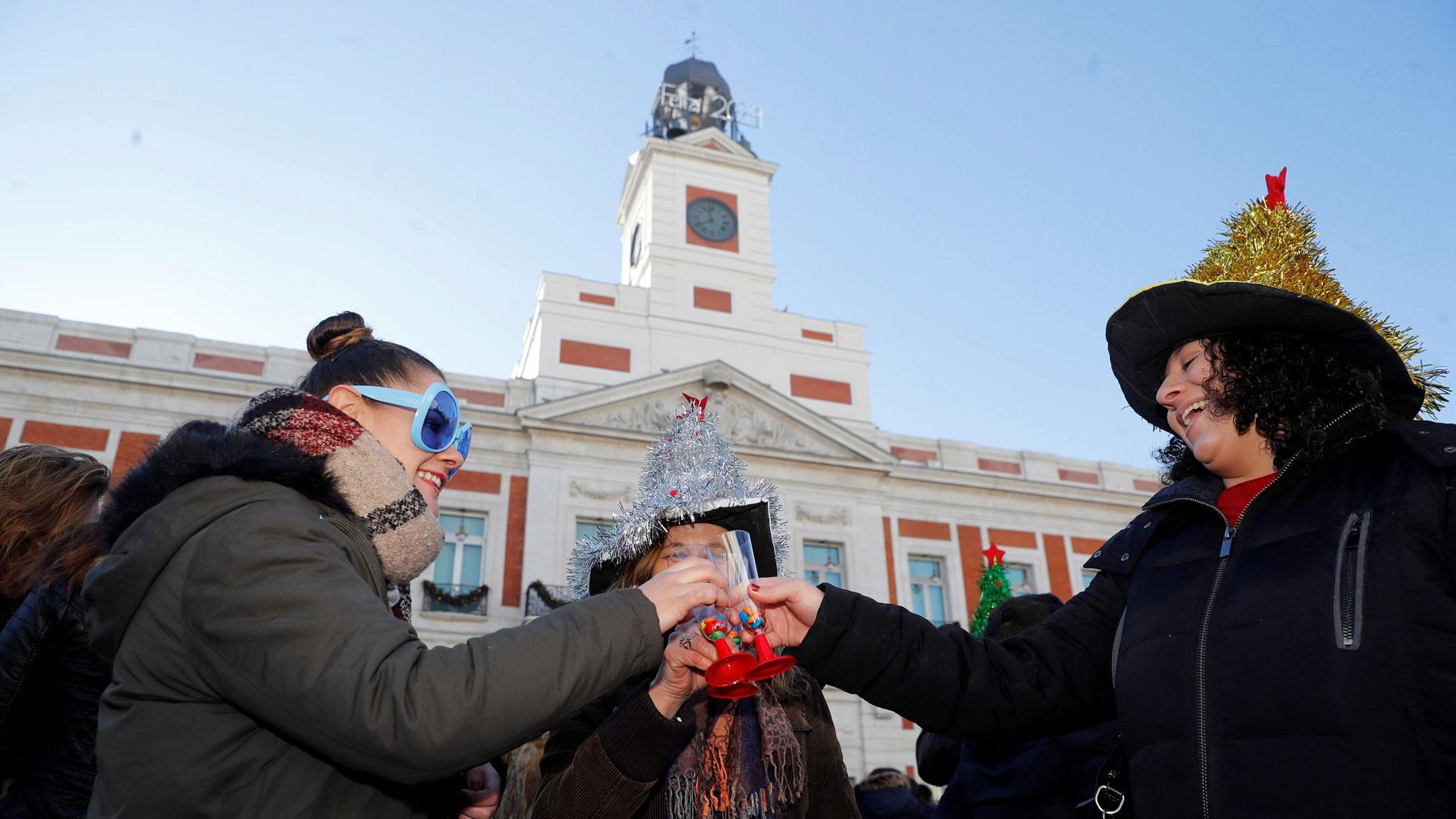 Campanadas Nochevieja La Puerta Del Sol Recibir Dos