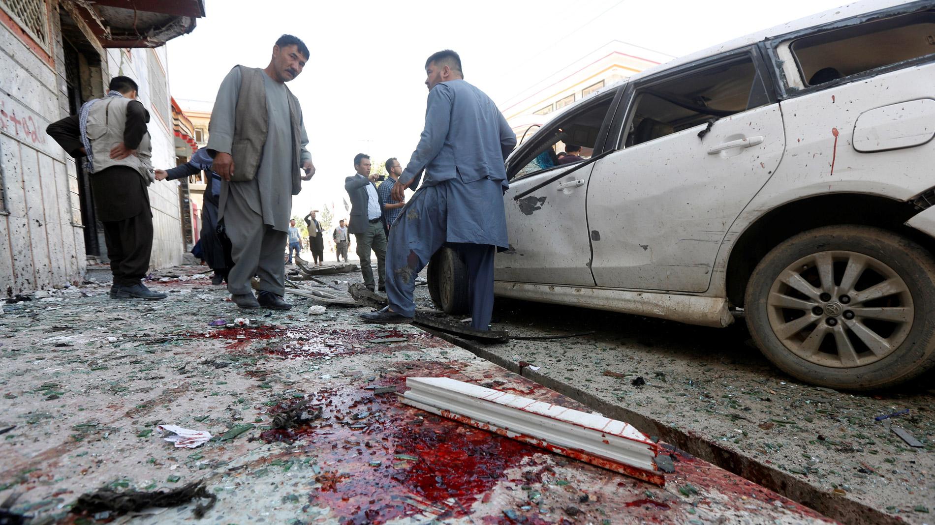 57 muertos en un atentado contra un centro electoral en Kabul