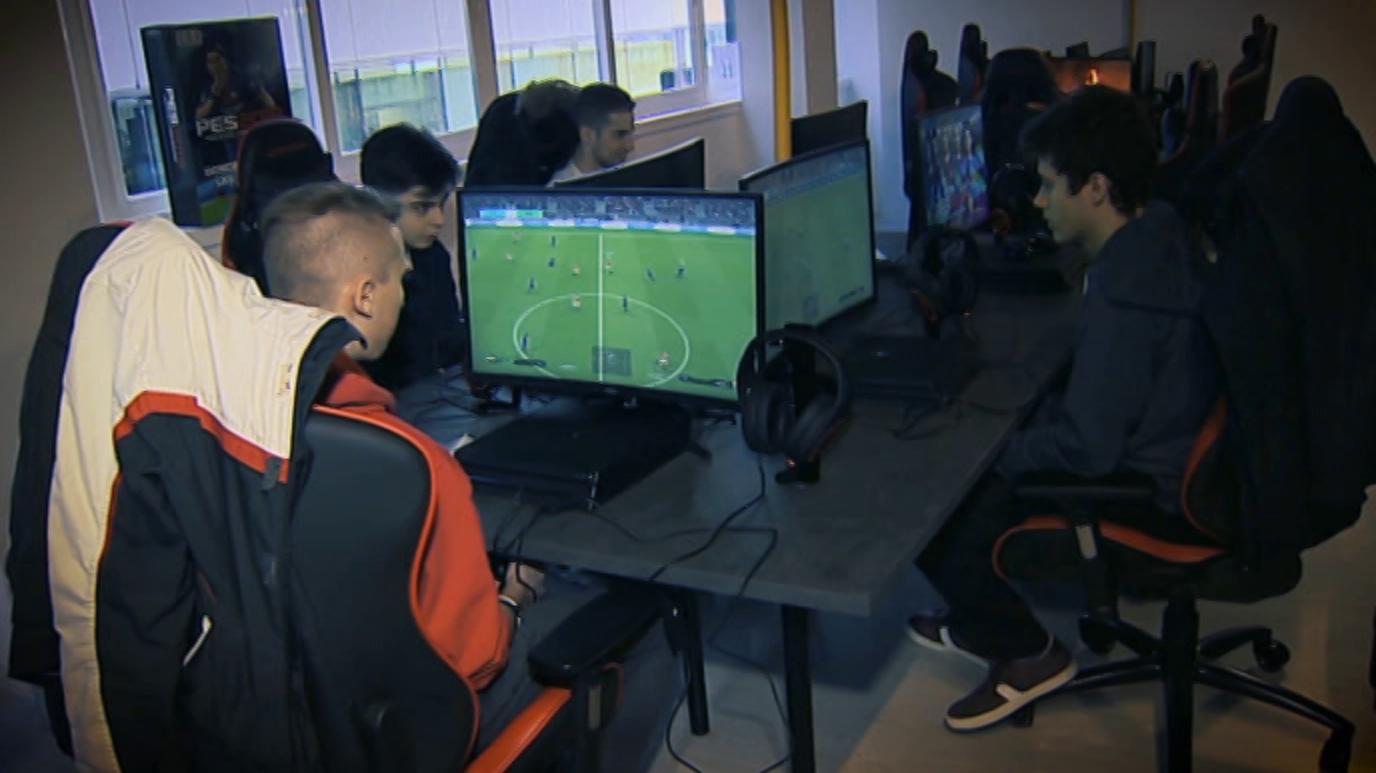 Zoom Net - Academia eSports e-Squad, Mavic Air y Crossing Souls