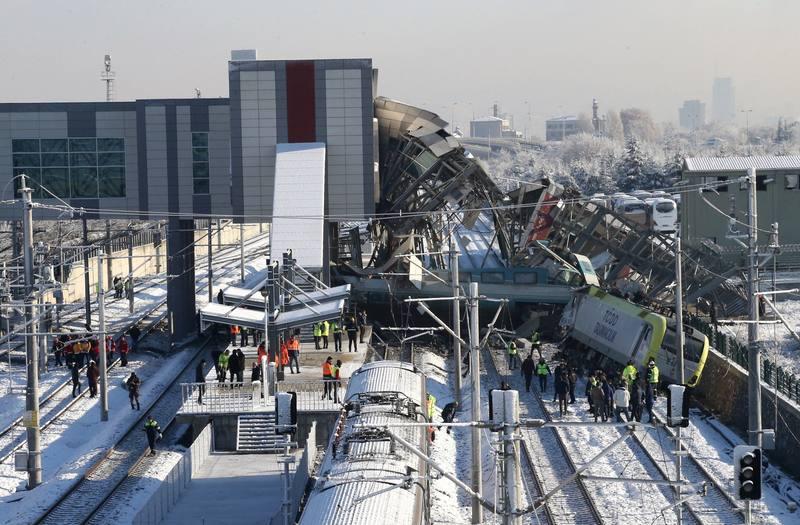 Al menos 9 personas han muerto y 47 han resultado heridas en un accidente de tren en Ankara