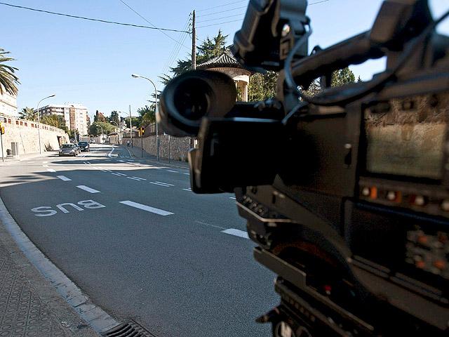 Tres jóvenes muertos en un accidente mortal en Barcelona entre un coche y un autobús