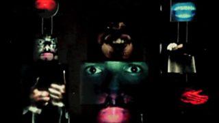 Cámara abierta 2.0 - Ain The Machine, música biotrónica; Tropical Camp en Tú ruedas; La Grieta en #webseries; y Elvira Mínguez en #1minutoCOM
