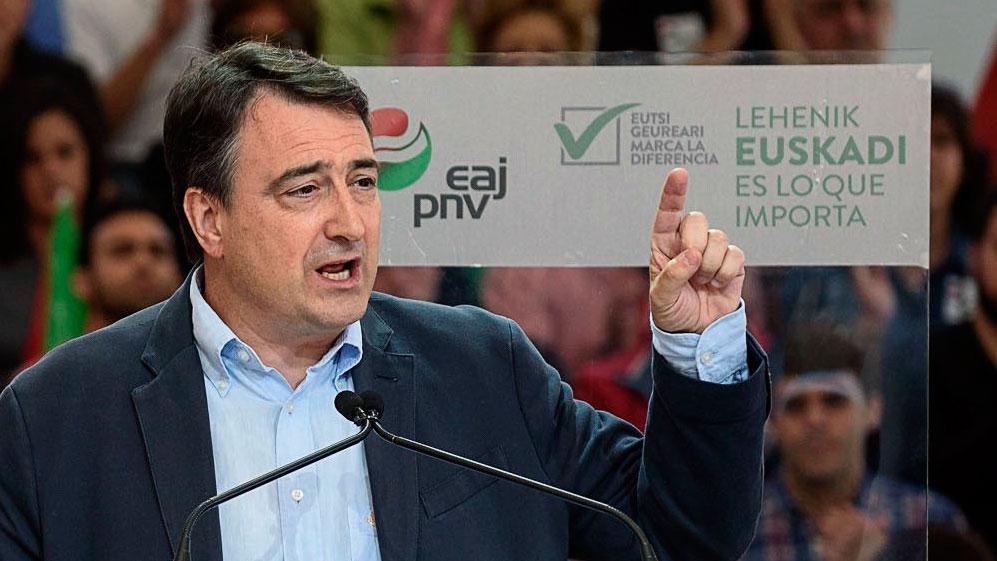 """Aitor Esteban (PNV): """"Vamos a actuar con responsabilidad pero con la agenda vasca siempre encima de la mesa"""""""
