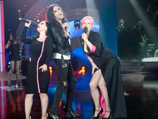 Disco del año 2011 - Actuación de Alaska, Nancys Rubias y Bimba Bosé