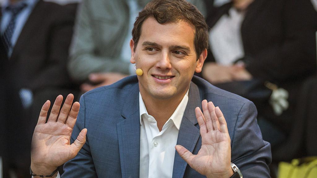 """Albert Rivera evita especular sobre posibles sucesores de Rajoy pero elogia que Cifuentes sea """"libre y valiente"""""""
