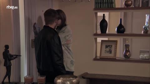 Servir y Proteger - Alicia explica a Jairo que sospecha que Rober ocultaba algo