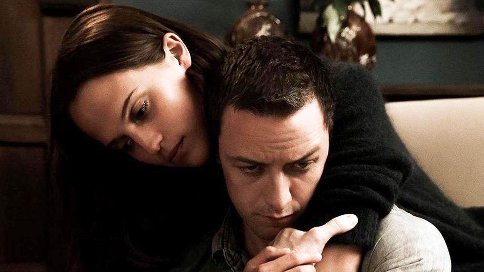 Alicia Vikander y James McAvoy en 'Inmersión'