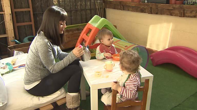 """""""Madres de día"""" es una alternativa a las guarderías tradicionales"""