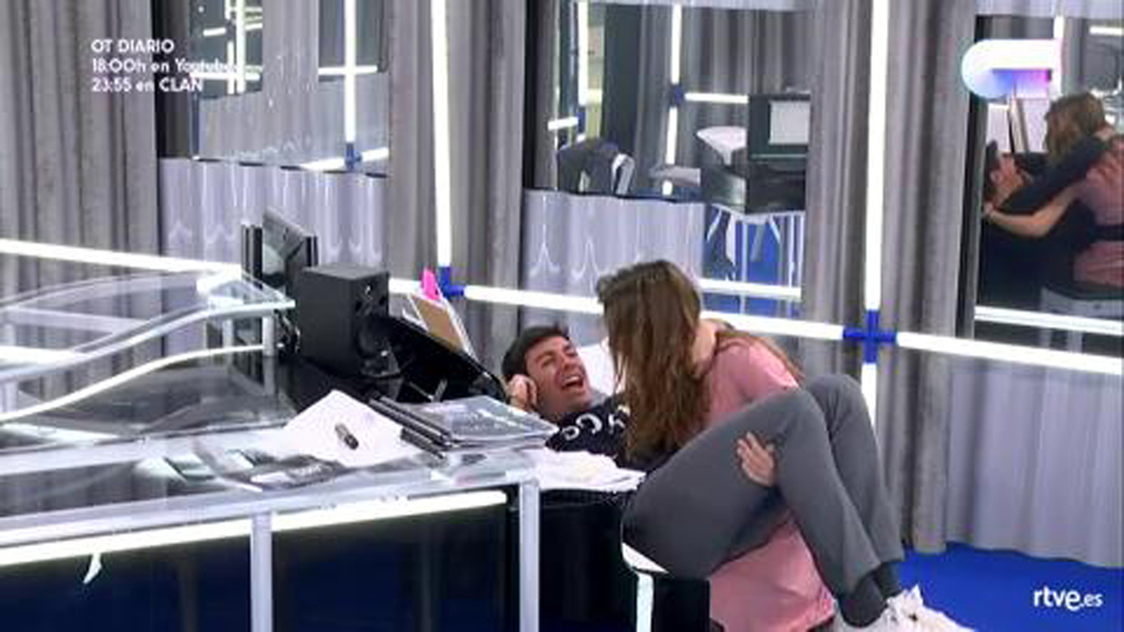 Operación Triunfo - Amaia acuna a Alfred