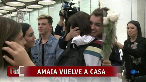 Corazón - Amaia, recibida por los fans en el aeropuerto