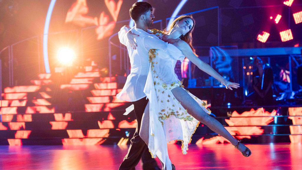 """Bailando con las estrellas - Amelia y Rubén Rodríguez bailan """"90 minutos"""""""