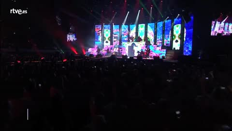 Concierto OT - Ana Guerra canta 'La bikina'