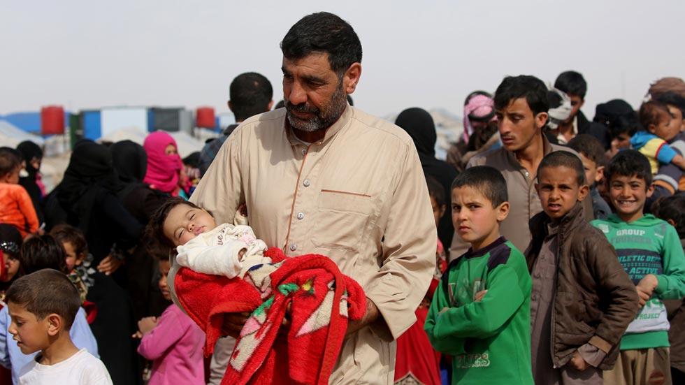"""Un año después del """"pacto de la vergüenza"""", miles de personas siguen intentando llegar a las costas europeas"""