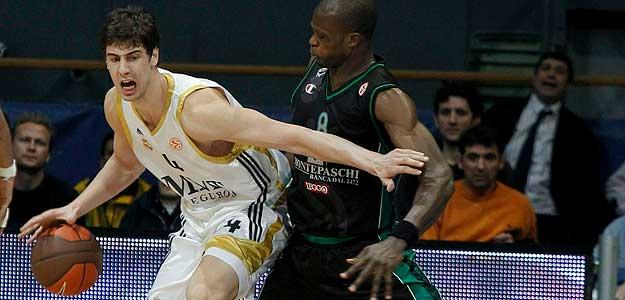 http://www.rtve.es/imagenes/ante-tomic-pivot-del-real-madrid-partido-ante-montepaschi-siena-cuarta-jornada-euroliga/1267638800241.jpg