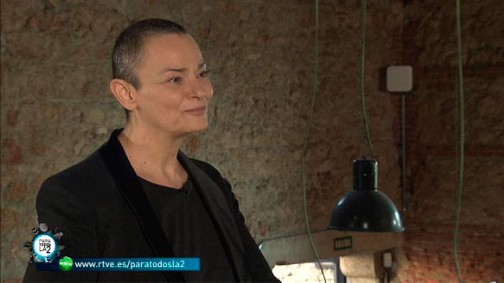 Para Todos La 2 - Antonella Broglia presenta algunas iniciativas sociales que utlizando líneas telefónicas